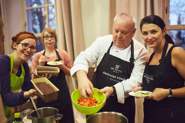 Warsztaty kuchni wege we Wrocławiu to doskonała okazja do wspólnego spędzania czasu