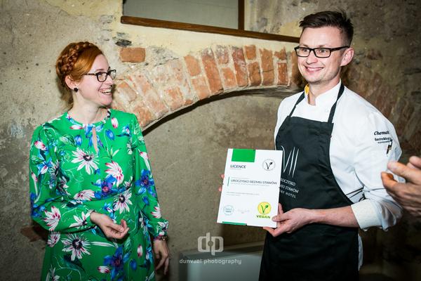 Po raz pierwszy przyznaliśmy certyfikat V-Label tak zwanej restauracji mieszanej
