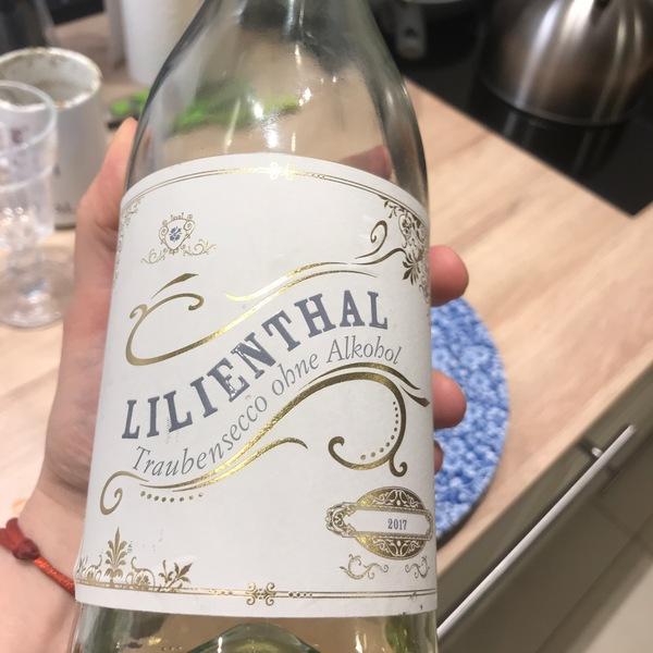 Z każdym rokiem na rynku przybywa bezalkoholowych win
