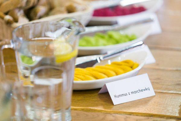 Małoletni koneserzy lubią owoce i cenią je w swojej diecie
