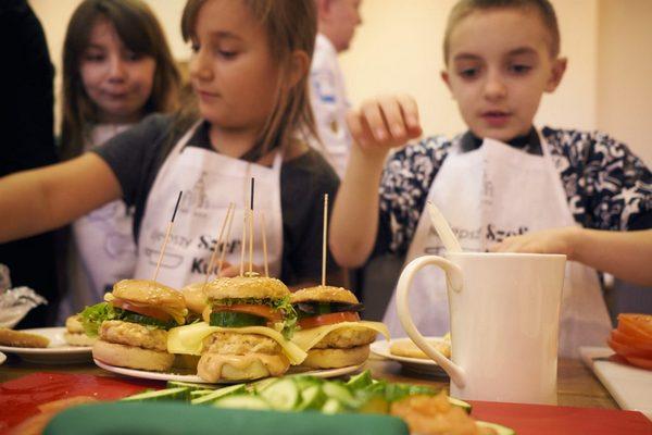 Czy zdrowy burger istnieje? U nas zawsze! – śmieje się Anna Wałęsa