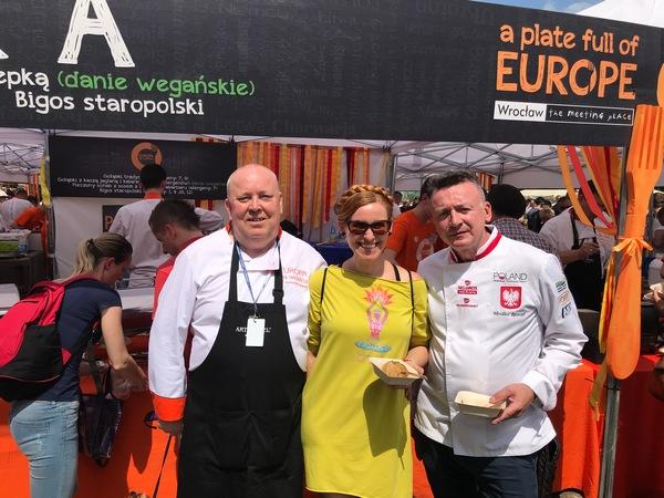 Dania wegańśkie przygotowane przez Grzegorza Pomietło podczas Europy na widelcu