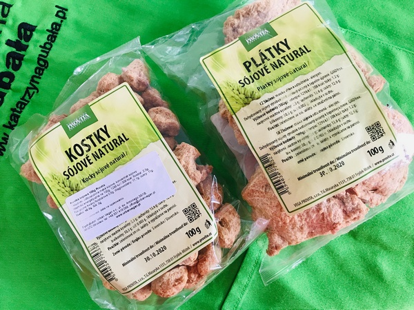 Sojowy granulat sprawdza się do przyrządzania gulaszy, kotletów, a nawet potraw wege a'la ryba