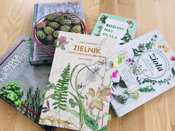Moje sprawdzone książki do zbierania chwastów i ziół