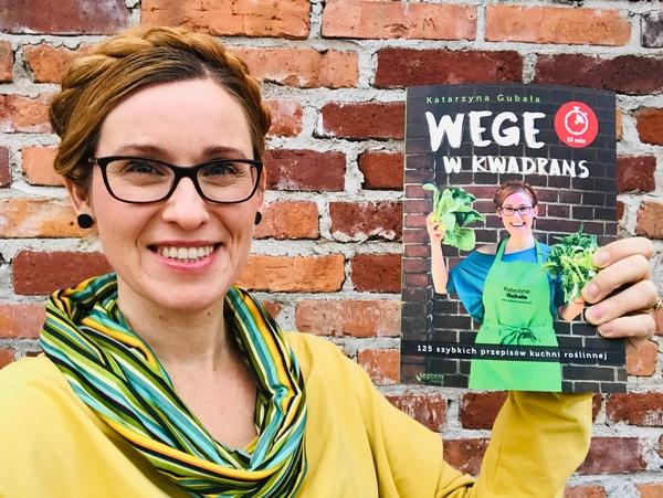 """Więcej przepisów na wegańskie smakołyki oraz trufle w wersji bardziej ekskluzywnej znajdziecie w mojej książce """"Wege w kwadrans"""""""